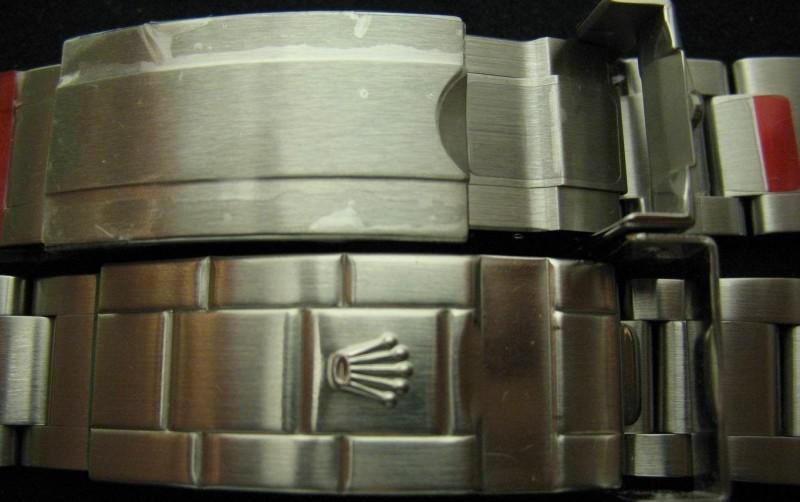128177ed776 버클 비교(상단 신형, 하단 구형) 신형은 보호필름도 안 뗀 신품. 또한 수 십 년간 내구성과 신뢰성을 증명한 롤렉스의 인하우스 무브먼트 인 3135 칼리버는