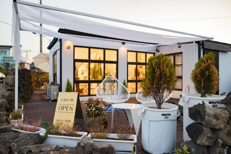 韓國濟州島最受歡迎的7間人氣咖啡屋!室內裝飾 X 環境優美 X 特色飲料,您怎麼可以錯過啊!